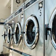 Foto de máquinas de lavar usadas pela lavanderia aLavadeira.com