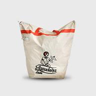 Foto da sacola onde são enviadas as suas peças para a lavaderia aLavadeira.com
